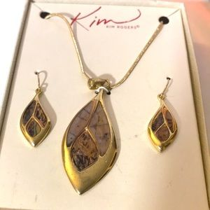 Kim Rogers gold and brown necklace and earring set
